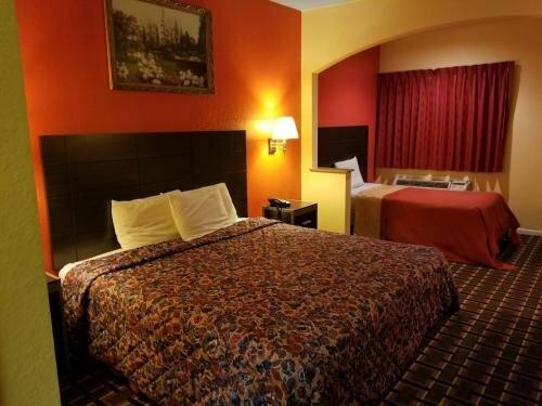 Texan Inn & Suites