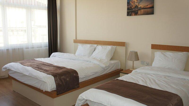 Newaz Hotel