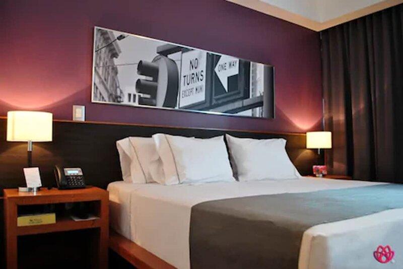 Hotel y Tú