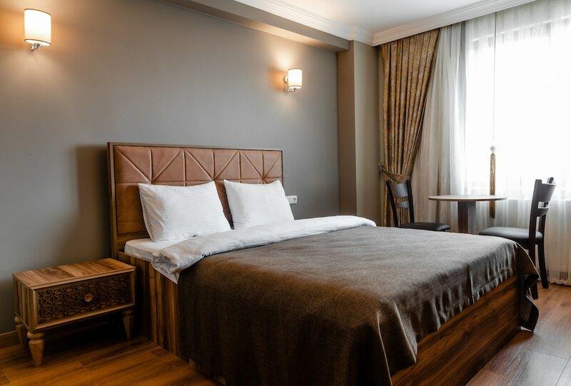 Madame Roza Hotel
