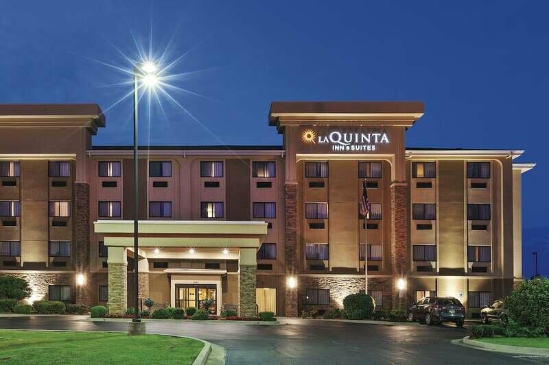 La Quinta Inn & Suites by Wyndham Midwest City - Tinker Afb