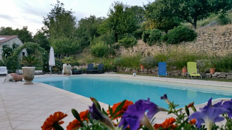 Villa With 4 Bedrooms in Malaucène, With Wonderful Mountain View, Priv
