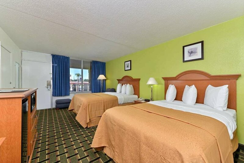 Oyo Hotel Twin Lake- Lake Park Valdosta area
