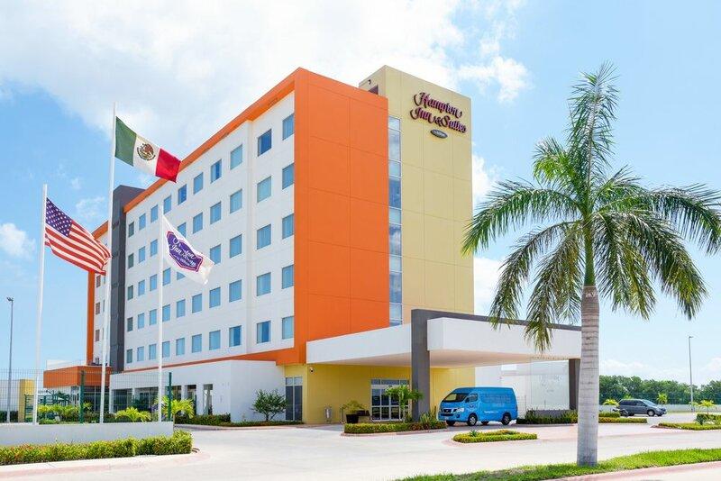 Hampton Inn & Suites by Hilton Paraiso