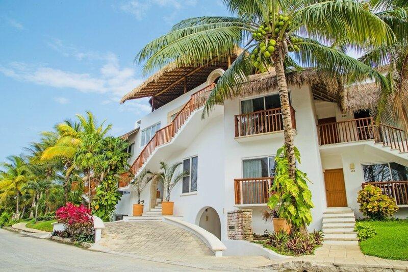Las Villas Akumal 2b-10 by SkyRun
