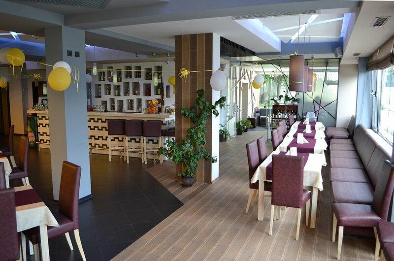 Elate Plaza Business Hotel