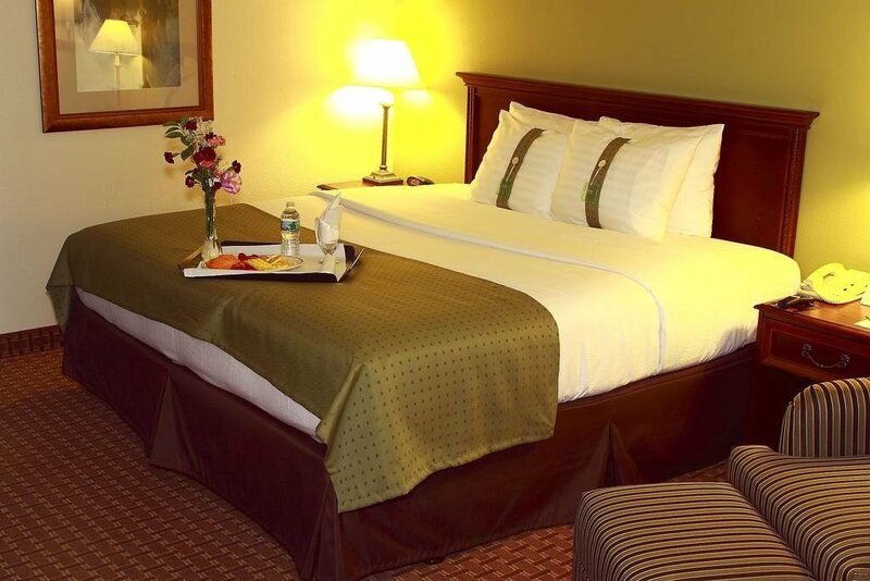 Saddle Brook Hotel
