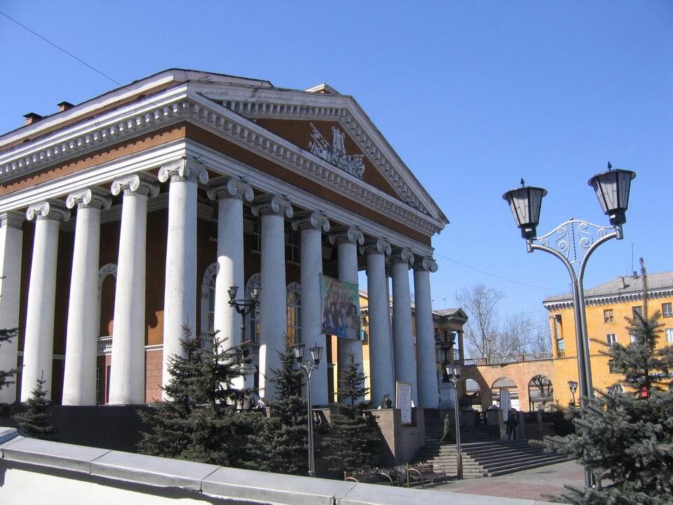 театр — Прокопьевский драматический театр — Прокопьевск, фото №1