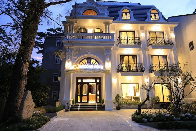 Moonstone Hotel