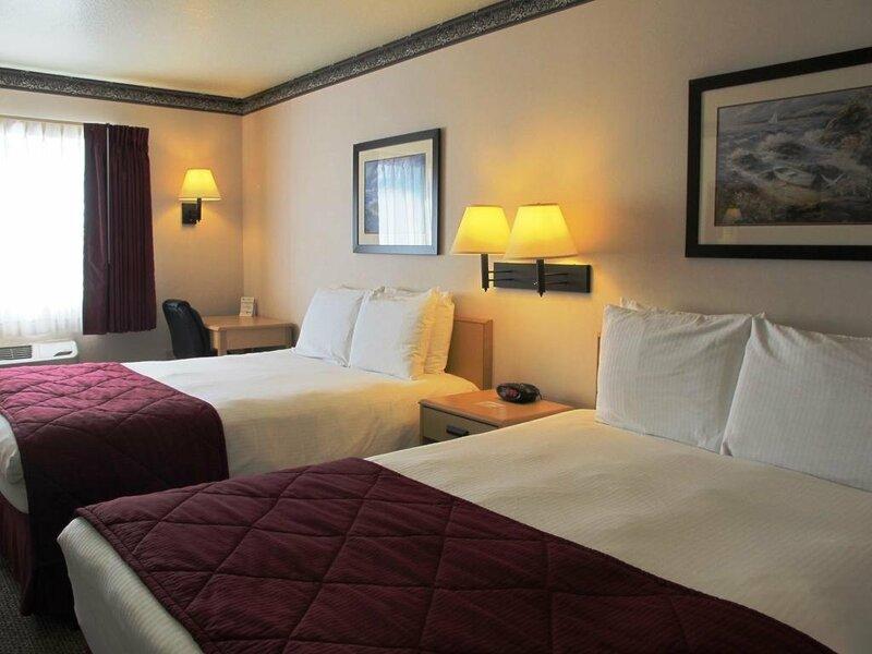 Garibaldi House Inn & Suites