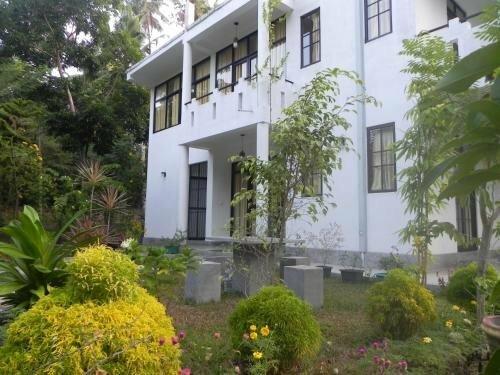 Coloration Guest House