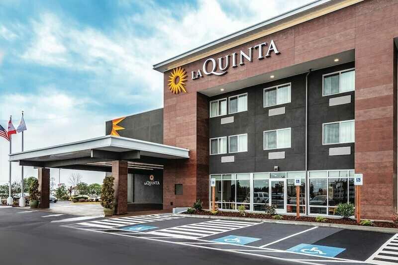 La Quinta Inn & Suites by Wyndham Seattle Federal Way