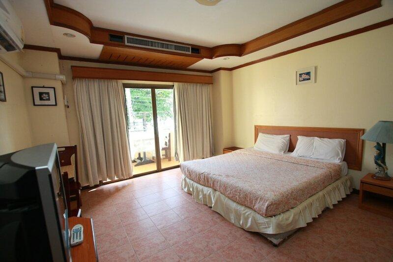 Chantorn Jomtien Guesthouse 1