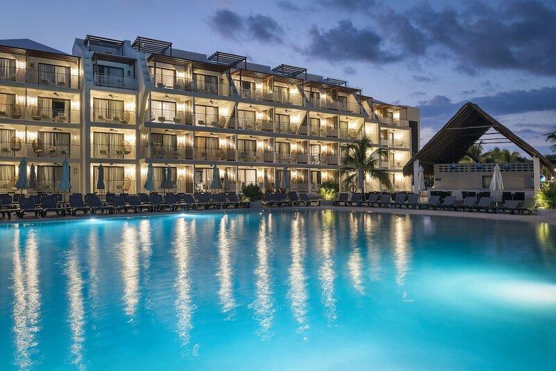 Ocean Riviera Paradise El Beso