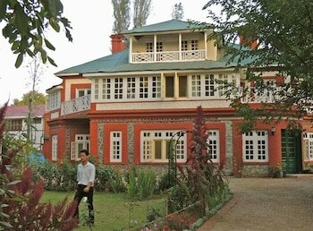 Colonel's Retreat Kashmir