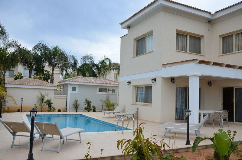 Anthorina Villa 8