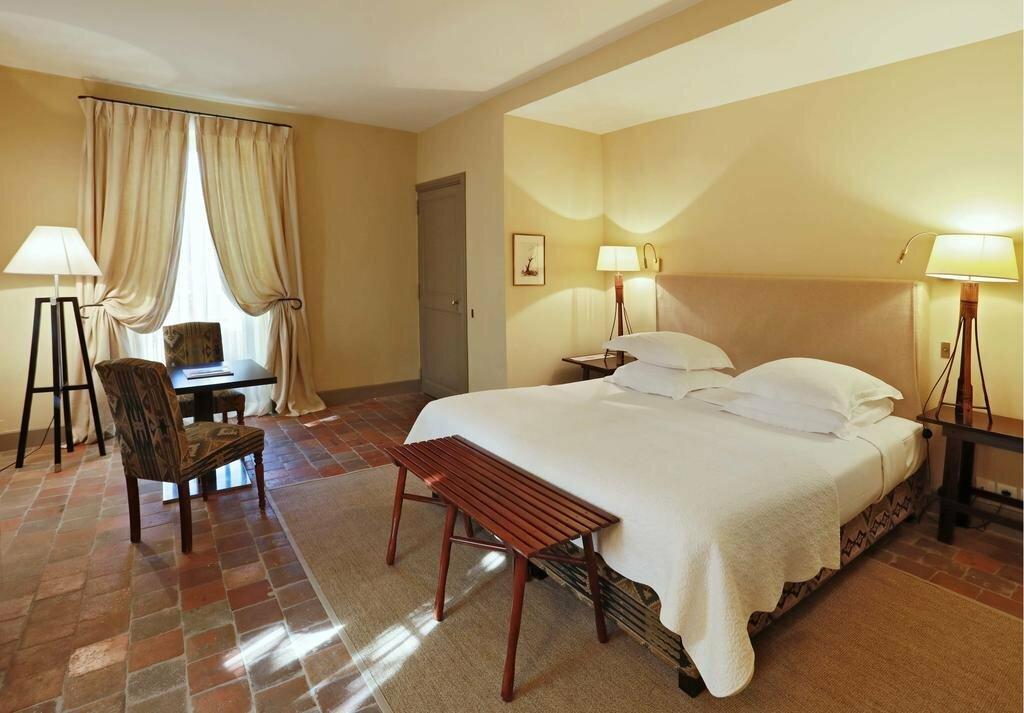Baumaniere Les Baux De Provence Hotel France Les Baux De