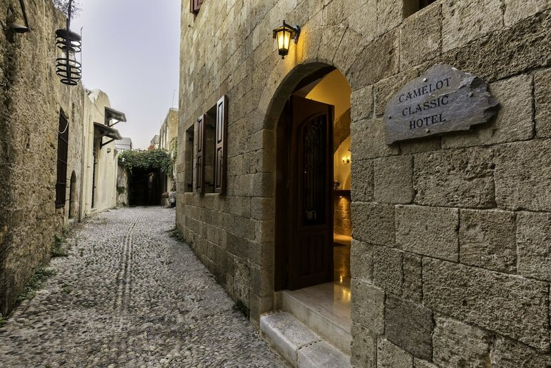 Camelot Traditional & Classic Hotel