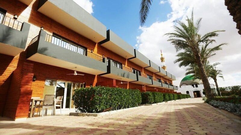 Byoot Bay Hotel & Resort