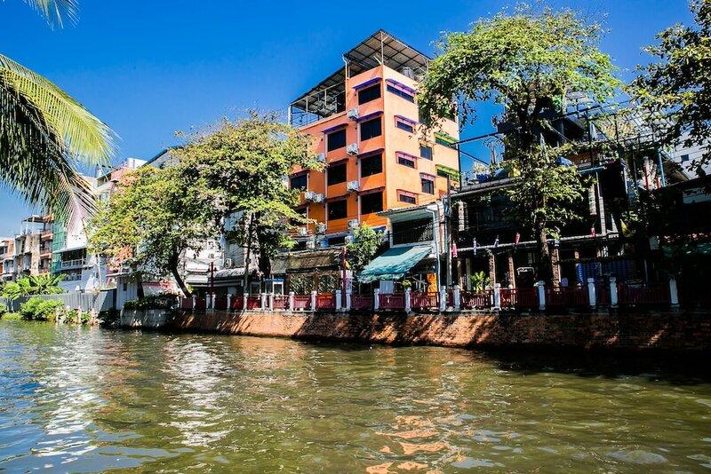 Baan Bangkok Backpackers Hostel