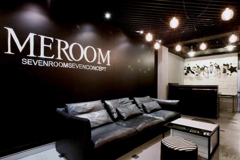Meroom Hotel