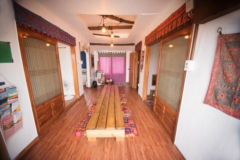 Shanti Shanti Guest House - Hostel
