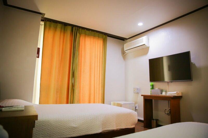 Milgam Central Hotel