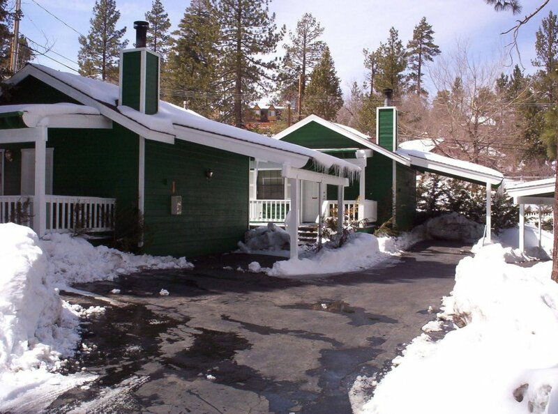 Big Bear Manor Jacuzzi Cabins