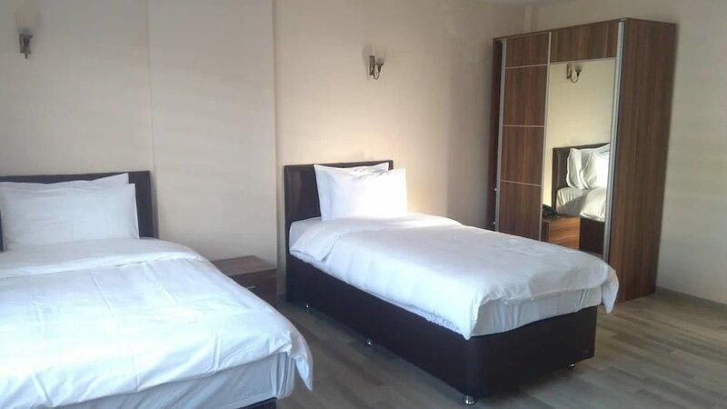 Ikarus Hotel