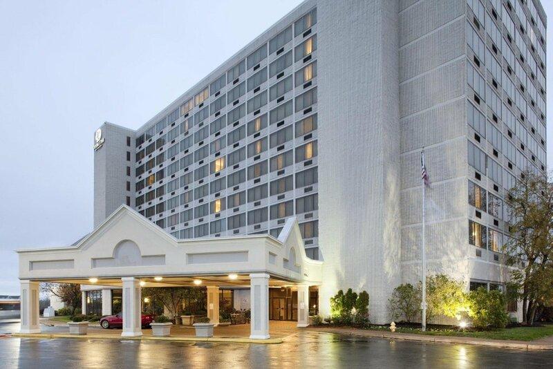 DoubleTree by Hilton Hotel St. Louis Westport