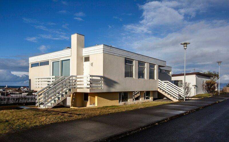 GrA3tta Northern Lights Apartment & Rooms