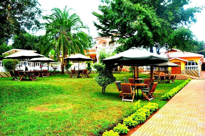 CountryView Hotel