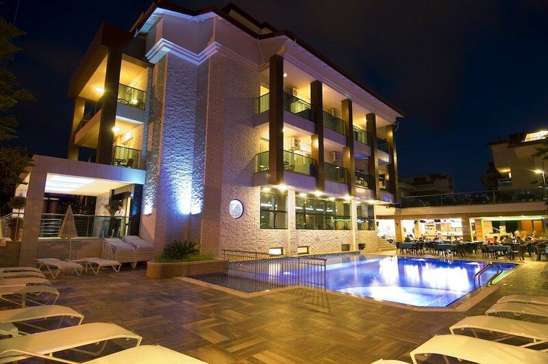 Supreme Hotel