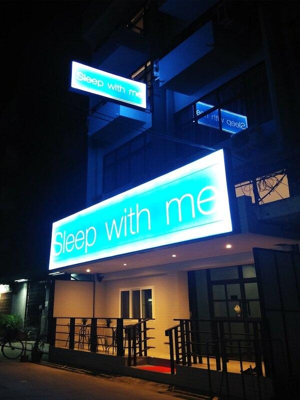Sleep With Me Bangkok - Bts Phra Khanong