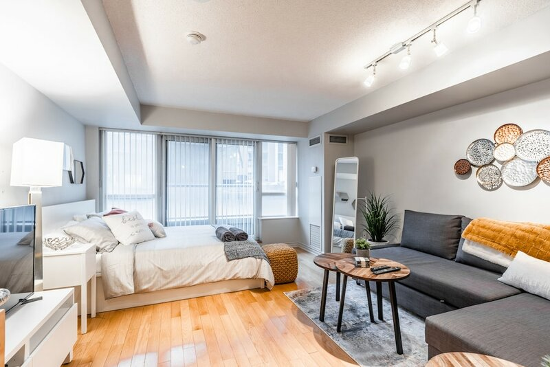A&a Suites in the heart of Downtown Toronto