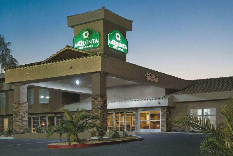 La Quinta Inn & Suites by Wyndham Las Vegas Tropicana