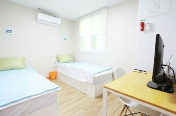 Cocoon Stay Hongdae Guesthouse