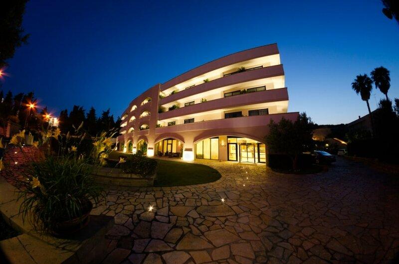 Курортный отель Vittoria