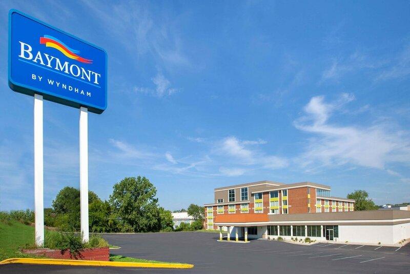 Baymont Inn & Suites Grand Rapids Near Downtown