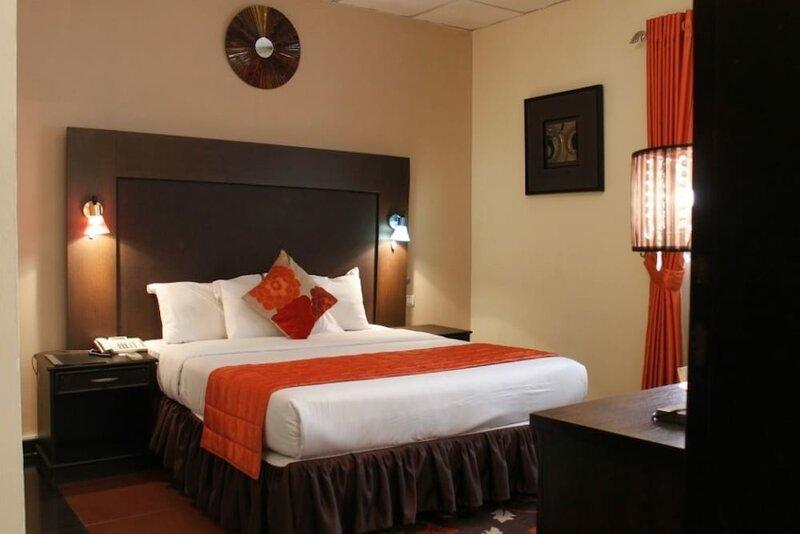 De Island Hotel