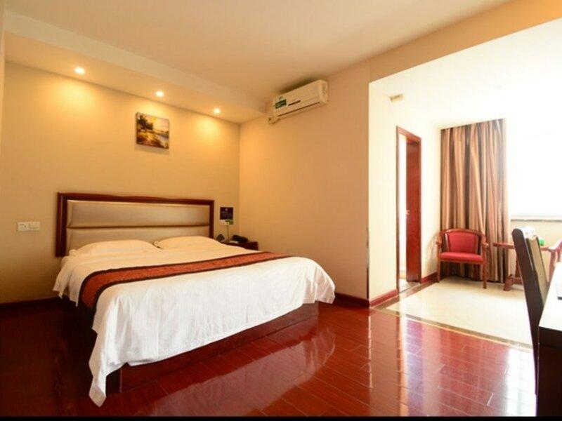 Green Tree Inn Guangdong Foshan Gaoming Zhongshan Road Express Hotel