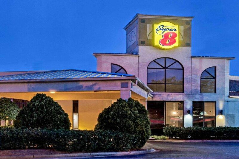 Super 8 Huntersville Charlotte Area