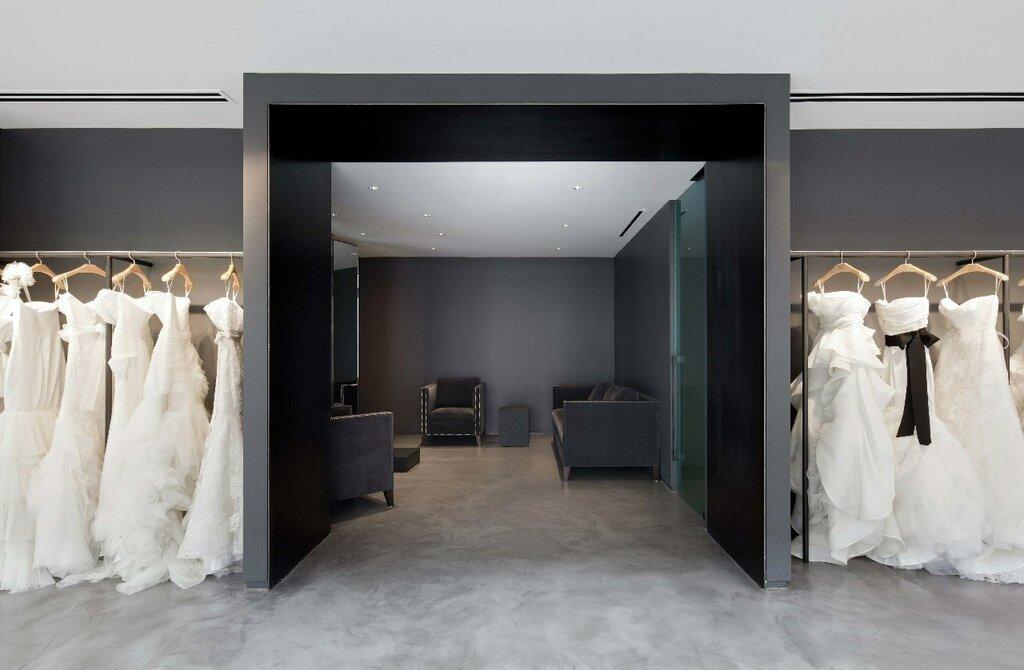 хантер появляется оформление входной двери свадебного салона фото легко содержать, уход