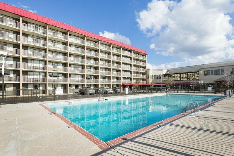 Ramada Plaza by Wyndham Fayetteville Fort Bragg Area