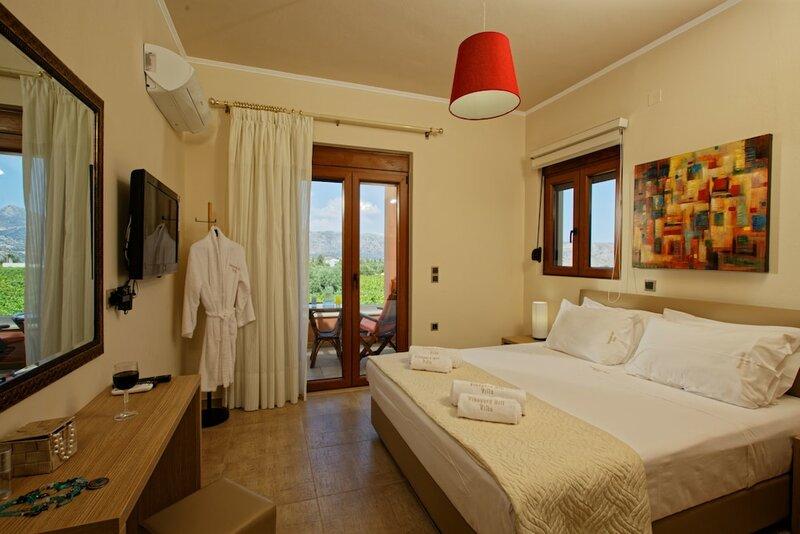 Cretan Vineyard Hill Villa Private Pool, Panoramic View, Beautiful Vineyard