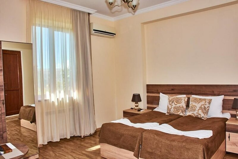 Guest House - Mk