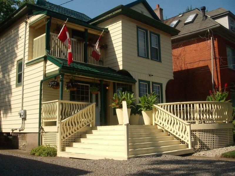 Ellis House Bed and Breakfast, Niagara Falls
