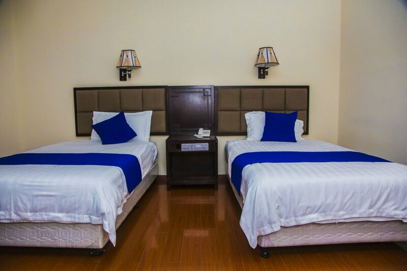 Blue Birds International Hotel