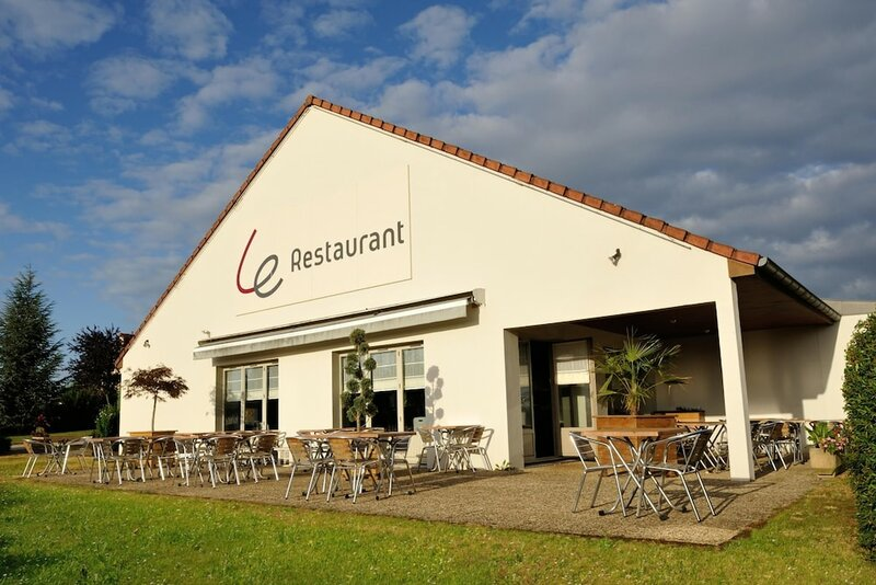 Hôtel Restaurant Campanile Dole