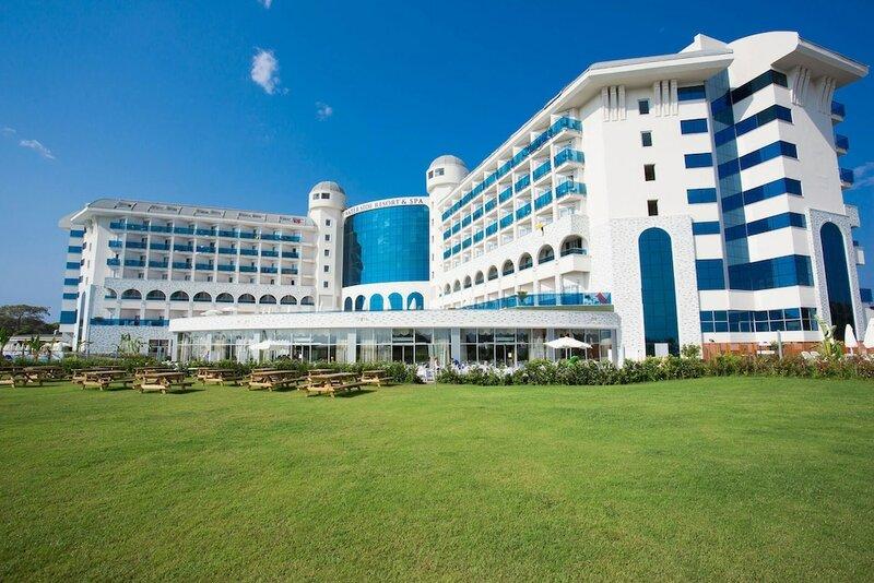 Water Side Resort & SPA Hotel
